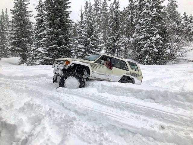 @nick_shagool will they BA snow submission from Elk River Idaho! Sweet rig!... . Send your pic or video to @trailbound4x4 of your ANY MAKE OR MODEL trucks with a description of the trail or outing from Hawaii to Australia for a chance to get featured... let's see what each other are doing around the globe! For more awesome follows if you are into #4wd /#expedition/ #Prerunner life give these people a check... . ...... . .@all4offroad @trail.faded.inc @socal_rockcrawlers @kiss_my_axle…