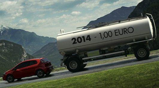 FIAT: e il prezzo carburante cala…  Bloccato fino al 2015 a 1 Euro. Unalternativa allo sconto. La nuova promozione messa in campo dal Gruppo FIAT associa l'acquisto di un modello a marchio FIAT (motore a benzina o gasolio) al blocco del prezzo del carburante a 1 euro fino alla fine del 2015. Fino al...
