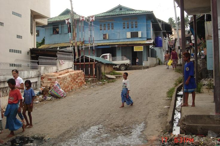 Walking the streets of Kawthaung, Myanmar - diving the Anadaman Sea