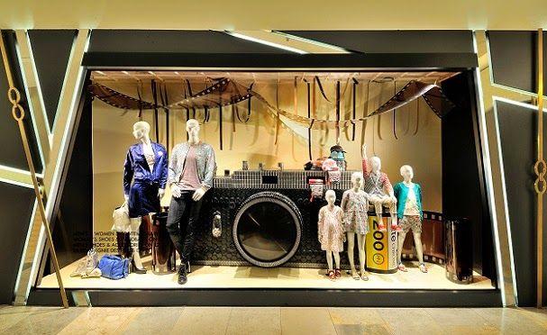 vasi da mettere fuori alle vetrine : Harvey Nichols presenta: Le nostre passioni. La fotografia. (Negozio ...