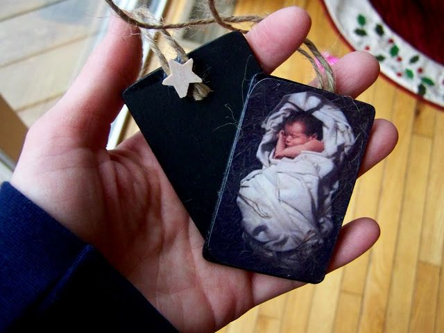 Our Gift to Christ Ornaments | chalkboard so can write what I am giving to Christ for Christmas