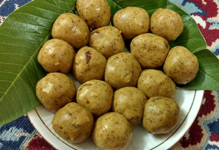 Vegan besan laddoo - A family secret that has been veganised and tastes as good as the original. Here is the recipe for Besan Ladoo.