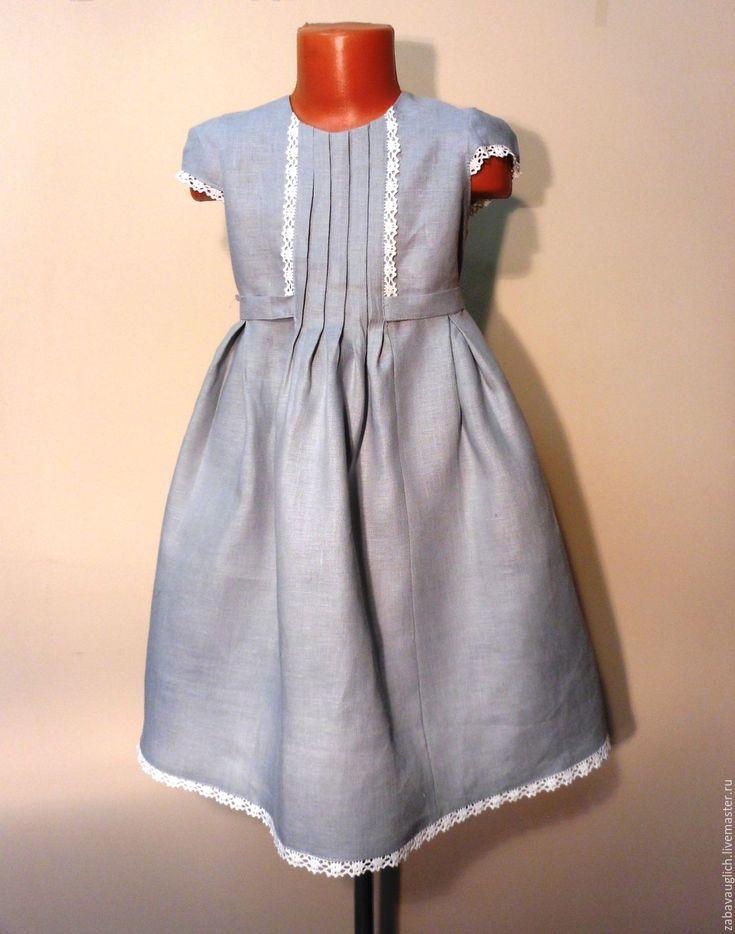 Купить или заказать Льняное платье с кружевом. в интернет-магазине на Ярмарке Мастеров. Летнее льняное платье, отделанное кружевом.