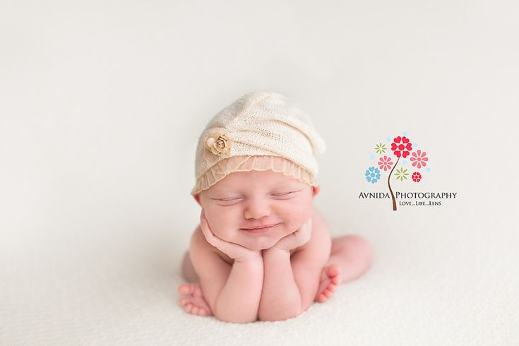 Newborn Posing Guide by Avnida Photography, Newborn Photographer NJ