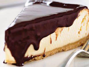 White chocolate cheese cake with dark chocolate sauce - Dessert anyone? Fast Ed bakes up a scrumptious cheesecake. Yummy!