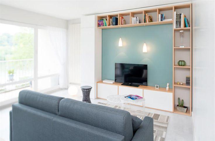 Salon avec meuble télé sur mesure composé