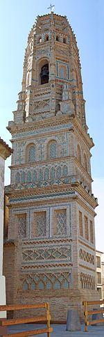 Torre de la iglesia de la Asunción de Utebo - Zaragoza (Aragón). Fue creada a base del arte mudéjar que viene del islam.