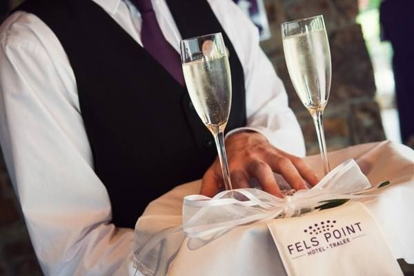 Sparking service  . . . every-time at Fels Point Hotel Tralee