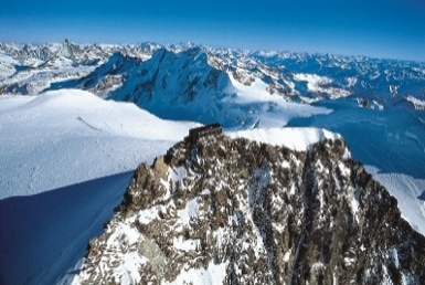 Capanna Regina Margherita.  Il rifugio più alto d'Europa 4554 slm  Valsesia