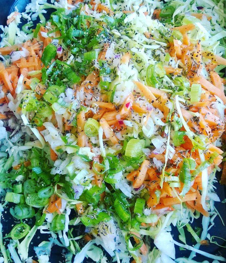 Coleslaw. #itsetehty #instafood #food #foodgeek #foodgasm #foodie #foodblogger #foodporn #foodshare #instagood #foodlover #ruokablogi #ruoka#kotiruoka #herkkusuu #lautasella #Herkkusuunlautasella