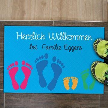 """Fußmatte """"Füße"""" mit Namen- personalisierte Fußmatte - perfektes Geschenk zur Hochzeit -für die ganze Familie -Schmutzfangmatte mal ganz anders - super Geschenkidee auch zum Geburtstag oder zu Weihnachten - der Fußabtreter ist die perfekte Wohndekoration für den Eingangsbereich oder Flur"""