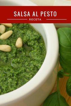 Te enseñamos como hacer la salsa al pesto en menos de 5 minutos. Una de las recetas más populares en la cocina italiana...