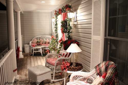 11 best images about patio screens with scenes on for Patios decorated for christmas