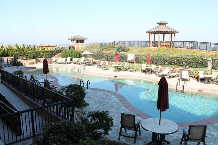 Escape to this luxury Outer Banks vacation condo. Relax on your private balcony or take a swim in the Croatan Surf Club pool.http://www.sunrealtync.com/house/csc-3l