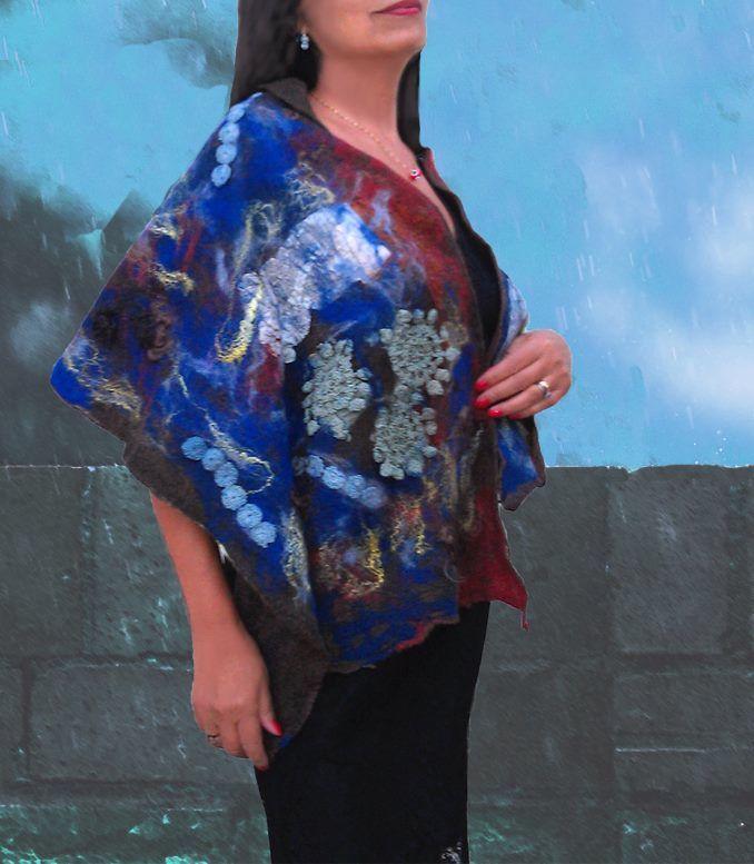 Chal con aplicaciones de Pasion Textil