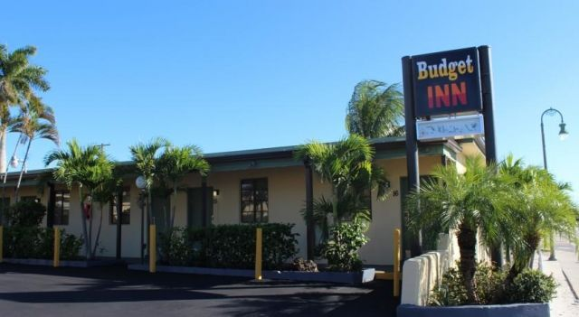 Budget Inn Lake Worth - 2 Star #Motels - $55 - #Hotels #UnitedStatesofAmerica #LakeWorth http://www.justigo.co.in/hotels/united-states-of-america/lake-worth/828-s-dixie-hwy_94535.html