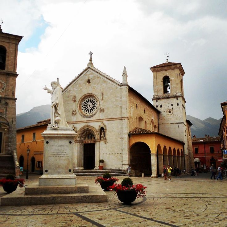 My heart goes out to Norcia, here is a photo of Basilica di San Bernadetto prior to this mornings earthquake. (Photo was taken in July, I am not in Norcia right now.) I am okay but did feel the 6.6 earthquake this morning. #sad #italy #umbria #stbenedict #sanbernadetto #travelfoodcool #earthquake #centralitaly