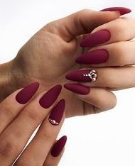 In orde to inspire you make winter nails matte color for your short nails, we have specially collected more than 60 images of short matte nail art designs. I hope you can find a satisfactory style from them.