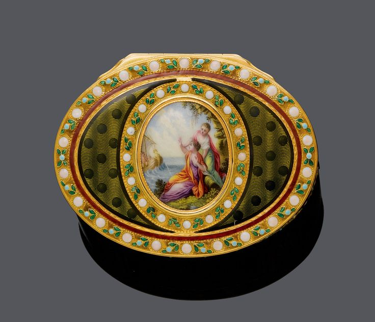 MINIATURE AND ENAMEL GOLD SNUFF-BOX, Hanau, ca. 1790. Yellow gold, 95g. Oval box, the cover, base and four panels enamelled in translucent green, on an engine-turned ground with wavy lines and dots. Border and frame with white dots and green leaves. Central polychrome miniature depicting probably the departing Odysseus and two women at the waterfront. Maker's marks probably Frères Toussant. Poinçon de Prestige. Ca. 6.7 x 5 x 2,7 cm.