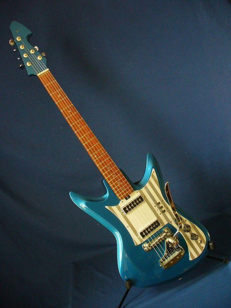 vintage silvertone 1436 or teisco et 230 k2 l sharkfin guitar in brand new hsc silvertone. Black Bedroom Furniture Sets. Home Design Ideas