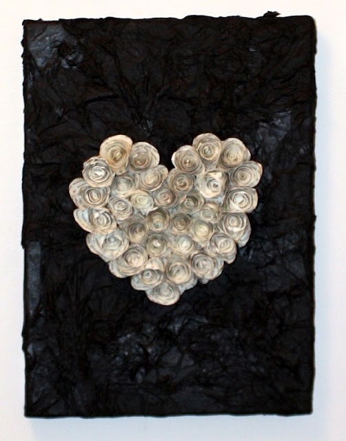 putting use to those paper roses you see all over pinterest! The black is tissue paper on canvas: Rose Canvas, Decopaug Ideas, Paper Rose, Canvas Decor, Crafts Ideas, Diy Crafts, Rose Heart, Decopaug Canvas, Crafts Night
