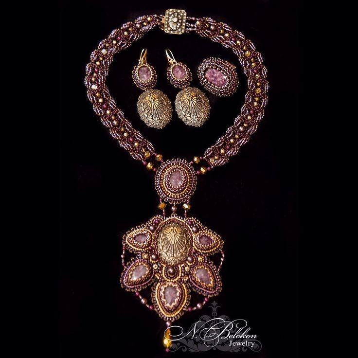Колье, кольцо и серьги с лепидолитом, жемчугом Сваровски и бронзовой филигранью  #серьги #earrings #кольцо #ring #n_belokon_jewelry #вышивкабисером #украшения #филигрань #лепидолит #колье #золото #золотой #gold #burgundy  #jewelry #necklace #pendant #lepidolite #bronzefiligree #filigree #bronze #purple #gemstone #beadwork #фурнитура #retro #vintage #ульяновск