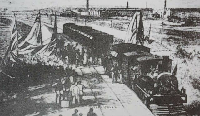 1875-First train to leave Parel station in 2020 | Bombay, Mumbai, Vintage