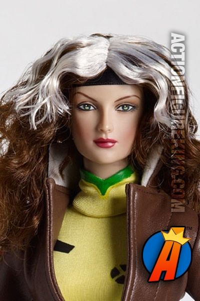 16 Inch ROGUE action figure with rooted hair and cloth outfit from Tonner. #rogue #xmen #marvelcomics #tonner #actionfigure #actionfigures
