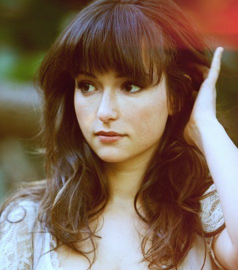 Pictures & Photos of Milana Vayntrub - IMDb
