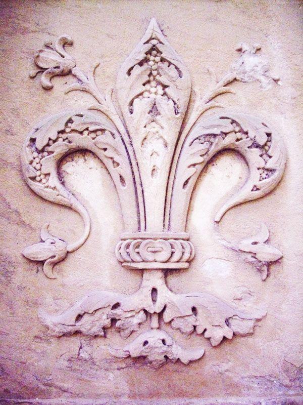 fleur de lis: Tattoo Ideas, First Tattoo, Stones Wall, Florence Italy, De Lys, Pale Pink, Inspiration Mauve, New Tattoo, Fleur De Lis
