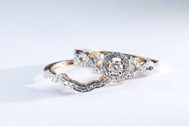 Diamantový zásnubní a snubní prsten z růžového zlata.  #klenotnictvipraha  #zlatnictvipraha  #sperky  #prsteny  #sada  #set  #snubni  #zasnubni  #wedding  #svatba #engagement  #diamant  #diamantoveprsteny  #zlato  #ruzovezlato  #moda  #klenotacz