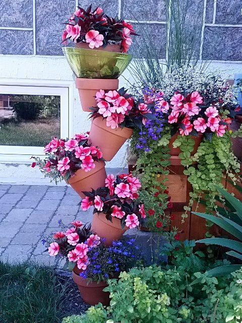 Pots de fleurs superposés  jardin  Pinterest