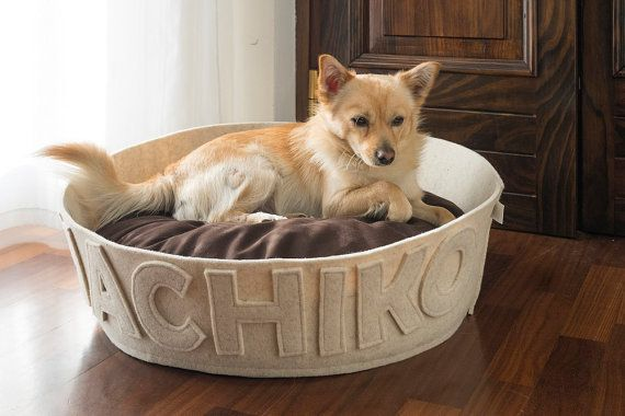 Dog bed customizable with name Wool natural felt and organic cotton GOTS modern dog bed white cream
