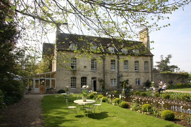 luxurious but affordable hotels in the Cotswolds