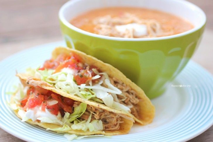 I have a weak spot for Mexican food. Tacos, enchiladas, fajitas, beans, rice… I could seriously eat it every day! Too bad this doesn't fit into my diet plan so well. Until I came across Weight Watchers Ranch Chicken Tacos! So easy, so good, and so diet friendly Ingredients: – 3-4 Eating Right (97% fat …