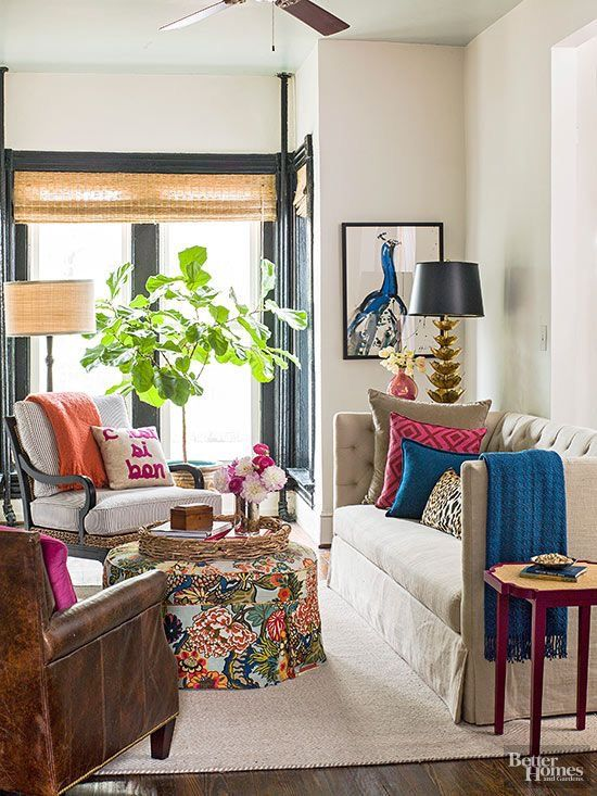 Apartment Interior With 4 Rooms: Living Room With Vivid Colors