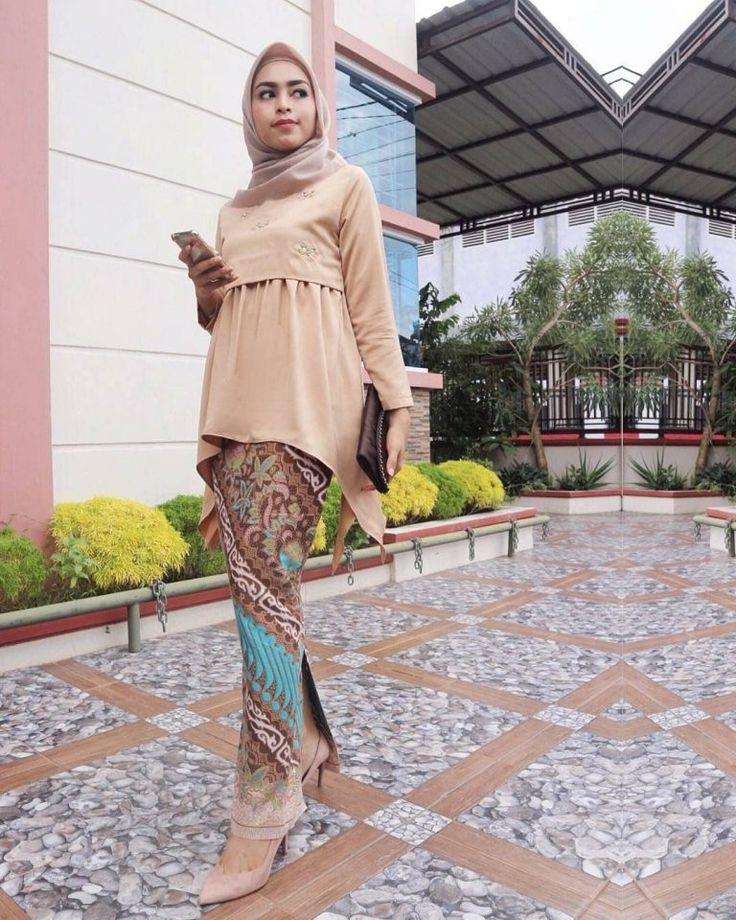 50+ Model Baju Batik Terbaru (Kombinasi, Atasan, Couple