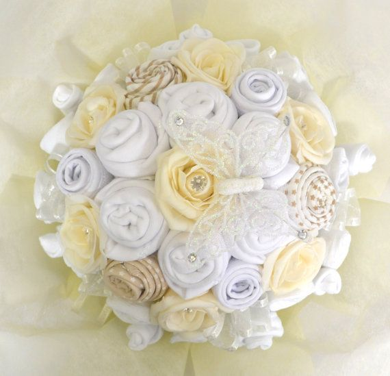 Baby Bouquet 19 items of Baby Clothes - Baby Shower Gift - Nappy Cake - Neutral Love it for momma