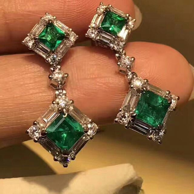 @taiwan_kunlun_jewelry. Visit us for exquisite earrings and jewellery collection. #emerald #diamonds