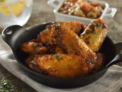 Receta de Alitas de Pollo Mediterráneas con Aderezo de Tomate Rostizado