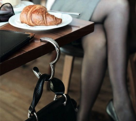 Erik Bagger Bag Hook / Erik Bagger Bag Hook – This simple design is the perfect companion anywhere you go! Hang your bag on any dinning table. http://thegadgetflow.com/portfolio/erik-bagger-bag-hook/