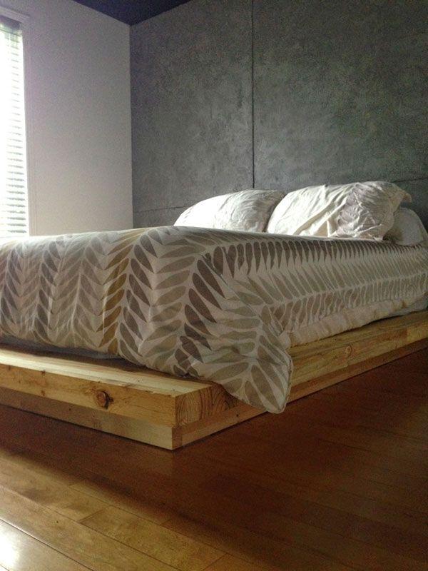 Les 25 meilleures id es de la cat gorie lits plateforme sur pinterest lit p - Lit plateforme bois massif ...