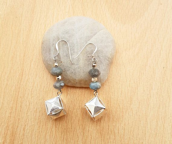 Silver labradorite earring, silver cube earring, Earrings for women, Earring gemstone, Gift for women, blue bead earrings, Adult or teenager