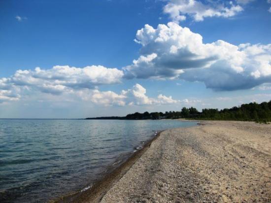 Una delle sffascinanti spiagge del Lago Huron, collegato con il Lago Michigan