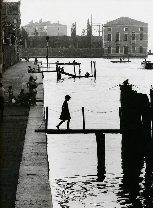 Willy Ronis - Venice, 1959: Willy Ronis, Willis Ronis, Fondament Nuov, Silhouette, White, Venice Italy, Places, Photo, Black