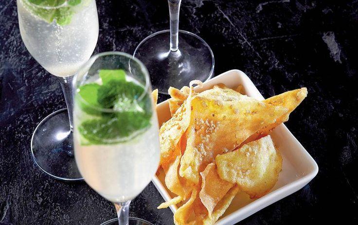 Champagnemojitoen er en perlende og let udgave af den klassiske mojito.