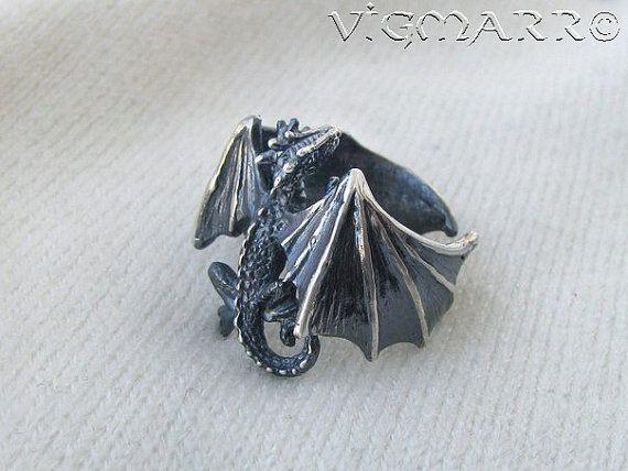Anneaux de Dragon. Dragon Pendant.Silver Dragon.celtic dragon.
