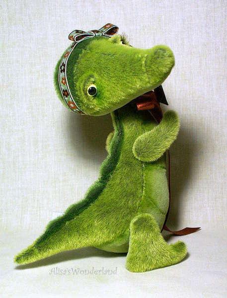 Crocodile Chloe by Alisa Shangina | Bear Pile - SO adorable.