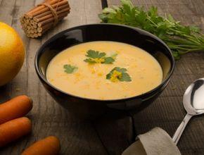 Eine wärmende Ingwer-Karotten-Suppe für kalte Wintertage auf www.ichkoche.at