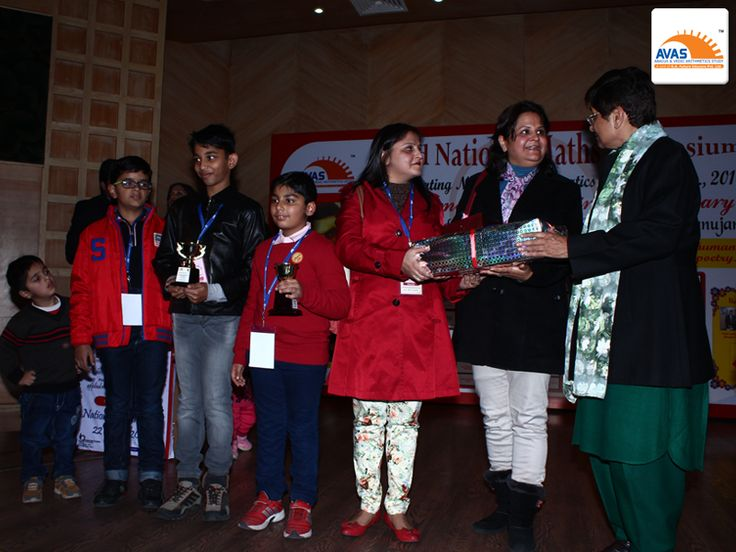 AVAS franchise honored by Dr Kirna Bedi
